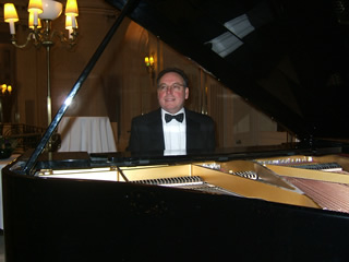 pianist for party